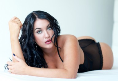 Glamour bed shoot